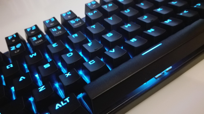 gaming-tastatur-blue-light